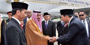 Ahok-berjabat-tangan-dengan-Raja Salman bin AbdulAziz al-Saud