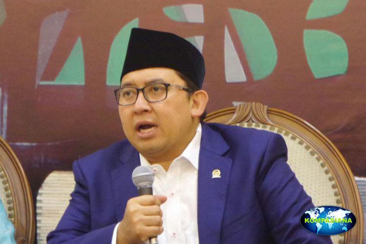 Presiden undang pegiat media sosial, Fadli Zon sebut buat rusak wibawa negara