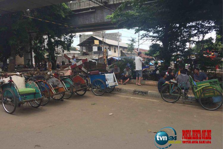 Sandi Lihat Ada Mobilisasi Tukang Becak agar Jakarta Tak Stabil