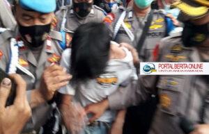 Gegara Diteriaki Copet, Seorang Remaja Dibekuk Polisi dari Kerumunan Massa